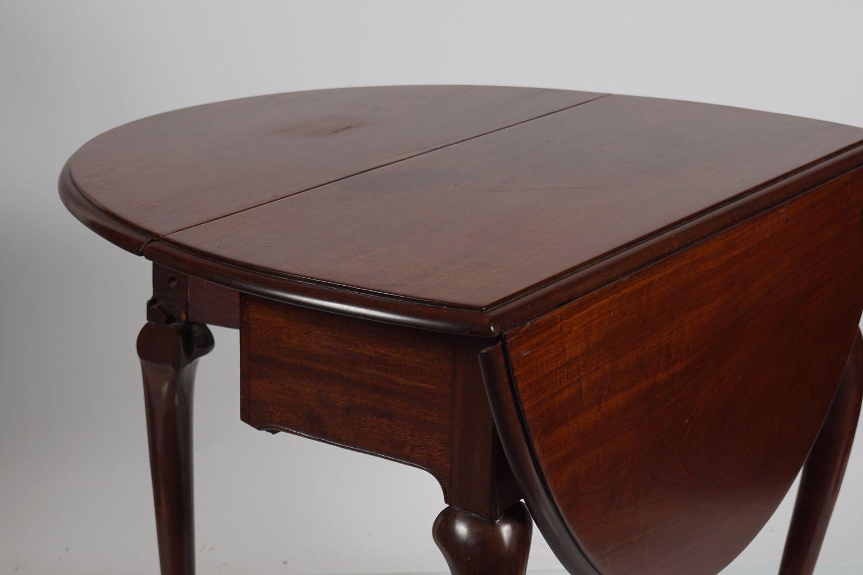 GEORGE II RED WALNUT GATE LEG TABLE - Image 5 of 5