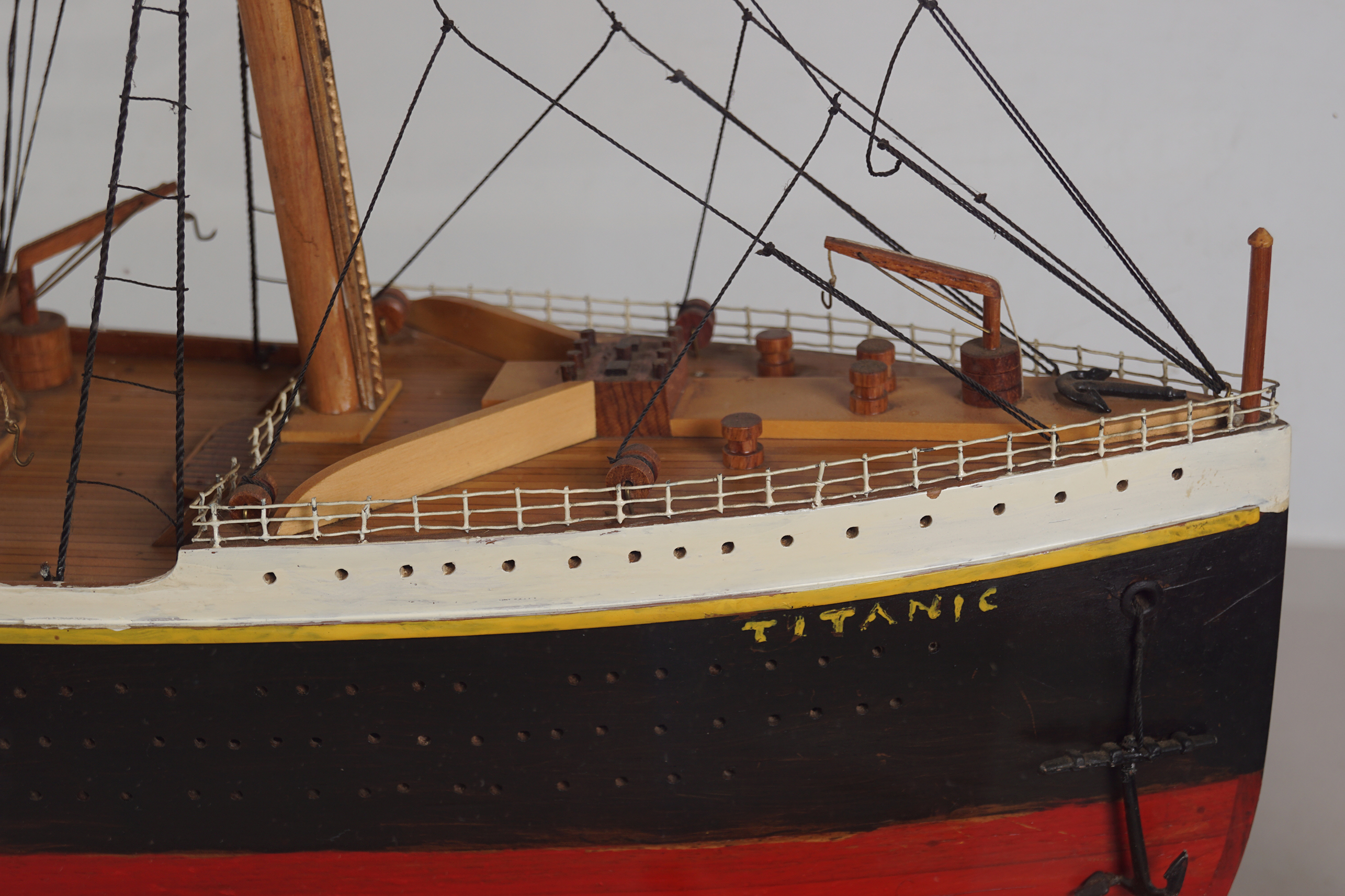 LARGE MODEL STEAM SHIP - Image 3 of 8