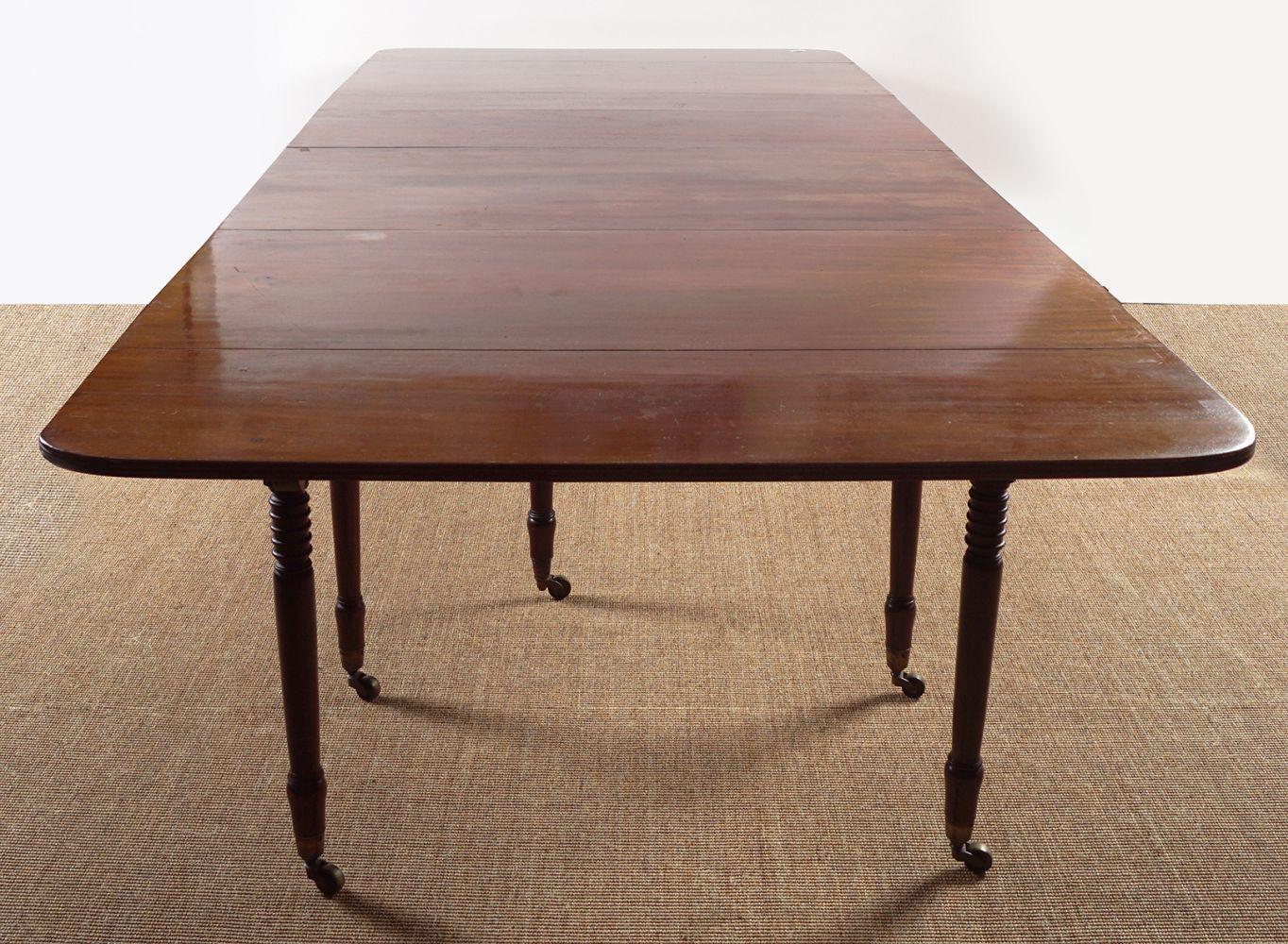 REGENCY PERIOD MAHOGANY DINING TABLE