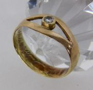 A LADIES RING 585/000 yellow gold with diamonds. Dated: 1941. Ring size 63, gross weight