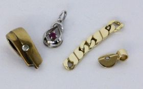 A LOT OF 4 GOLD JEWELLERY PIECES 585/000 yellow and white gold. Gross weight approximately