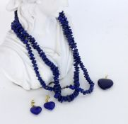 3 JEWELLERY PIECES WITH LAPIS LAZULI 585/000 yellow gold. Pendant and pair of heart-shaped