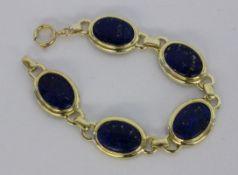 ARMBAND Silber vergoldet mit Lapislazuli. L.19cm A BRACELET Silver, gold-plated with lapis lazuli.