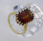DAMENRING 585/000 Gelbgold mit Madeiracitrin und Brillanten. Ringgr. 56, Brutto ca. 6,7g A LADIES
