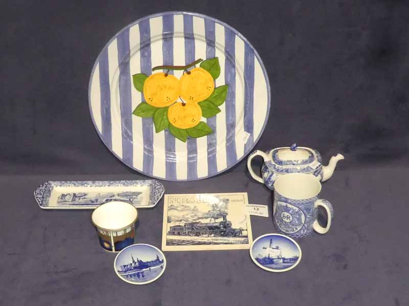 Eight items of assorted blue & white including Spode faience