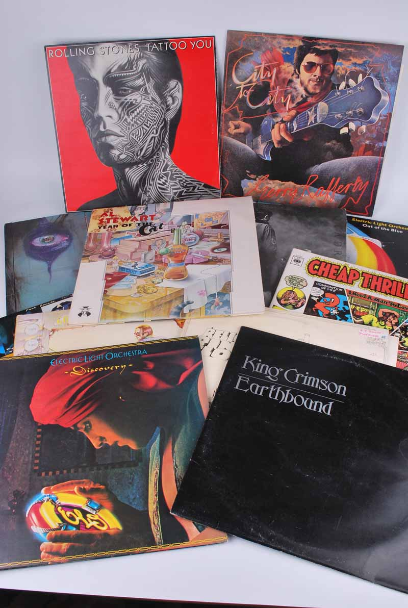A good collection of mainly 1960s and 70s vinyl LP records to include; The Beatles 1967-70, Frank