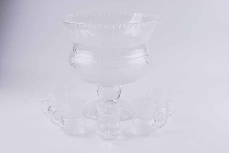 An Edinburgh Crystal 'Thistle' pattern punch bowl, of thistle bud form with etched thistle - Image 2 of 2