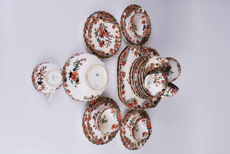 A Copeland Spode porcelain Imari eight setting tea set of ribbed form comprising eight cups, saucers - Image 2 of 5