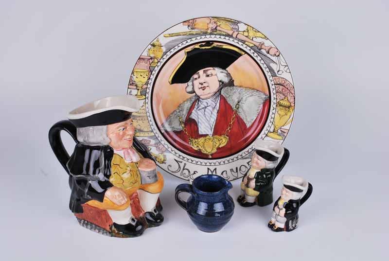 Royal Doulton plate, Carltonware Toby Jug, Two small Toby Jug's and a blue Toby Jug