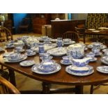 Complete dinner service for eight people with extras & serving dishes in Spode Italian blue -