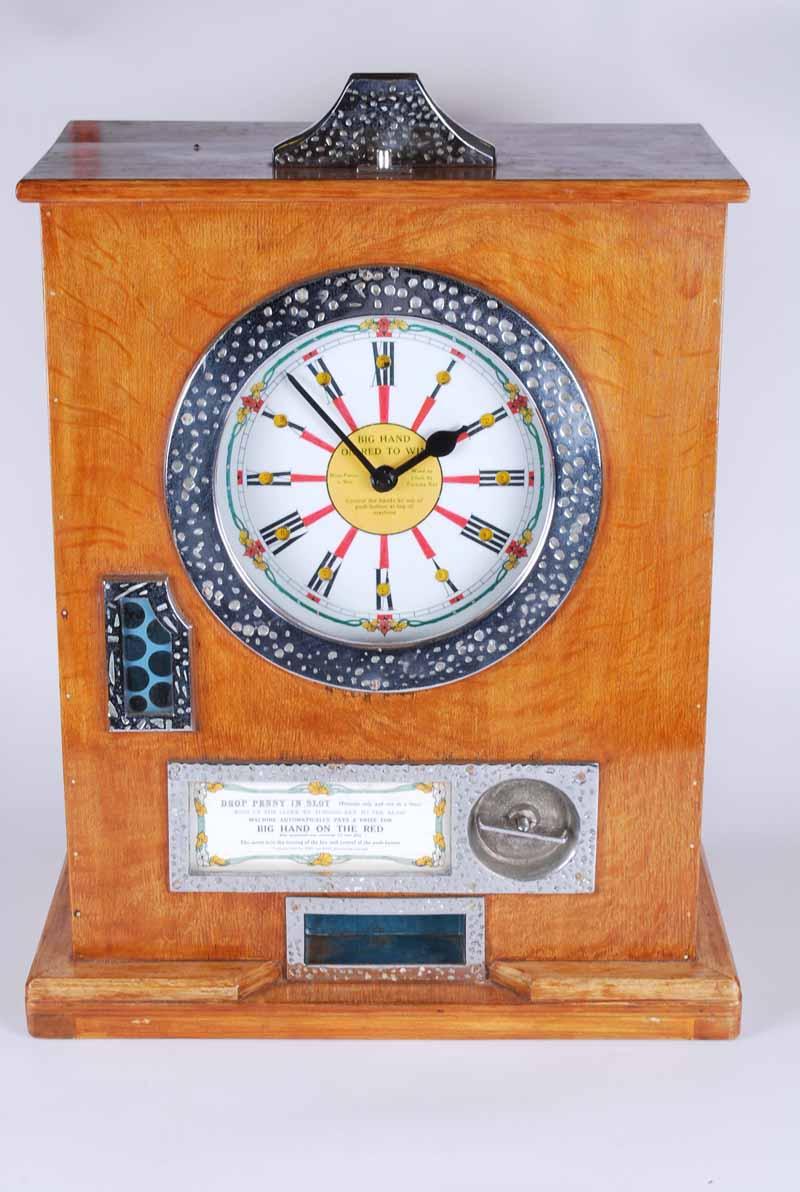 Bryan's Twelve Win Clock Wall Mounted Gaming Machine Big Hand on Red to Win, 66 cm H