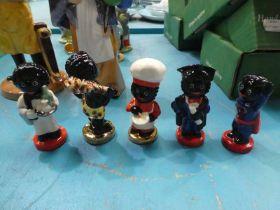 5 small Carltonware Golly figures