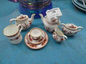 A Coalport Indian Tree children's set of tea ware, 8 pieces.