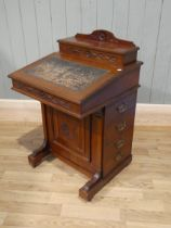 A Victorian aesthetics walnut Davenport desk with fitted interior 92cm H