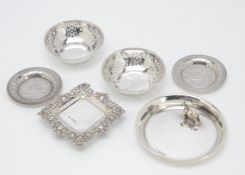 A George V silver pin dish from G&C, with applied shire horse, 10.3cm, together with a pair of