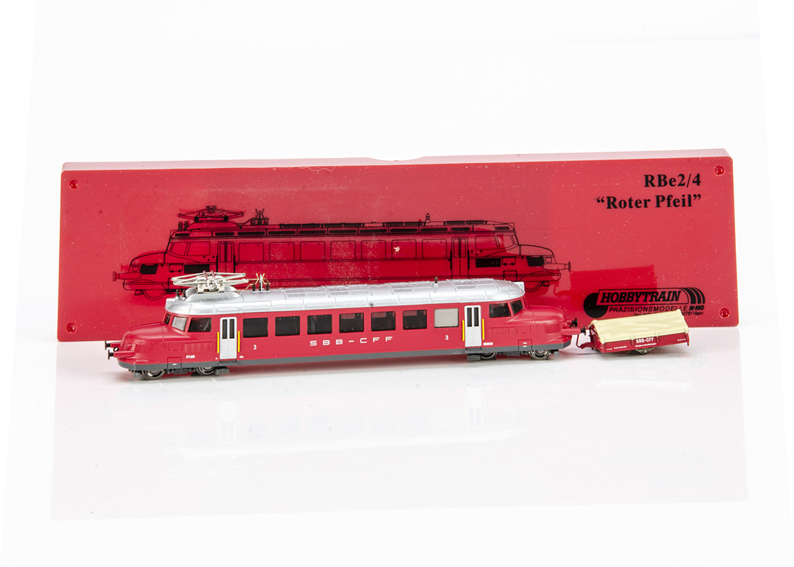 Continental N Gauge Hobbytrain Electric Railcar, a cased with card sleeve H2642 Red Arrow Re 2/4
