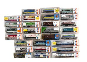 Roco N Gauge Continental Goods Wagons, all cased includes four axle platform wagons with loads