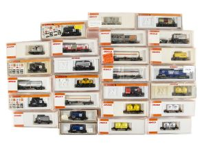 Arnold N Gauge Continental Tank Wagons, mainly cased includes standard tank wagons, 4320 (3),