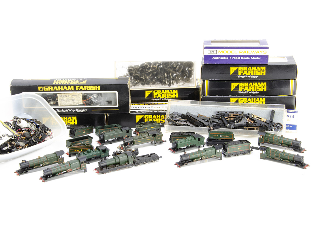 A large assortment of N gauge GWR Locomotive components, mostly by GraFar, bodies including '