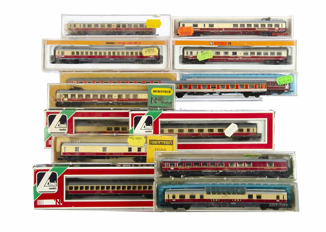 German N Gauge Coaches, Coaches of the DB including Trans Europ Express, a cased Fleischmann 8162