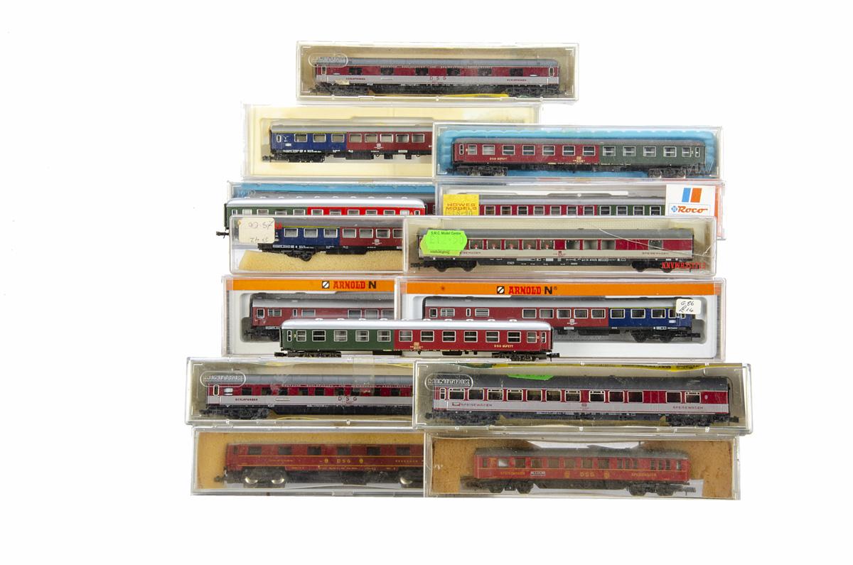 German N Gauge Coaches, coaches of the DB maroon/cream Minitrix 3093, 3095 (2) Fleischmann 8119 (all