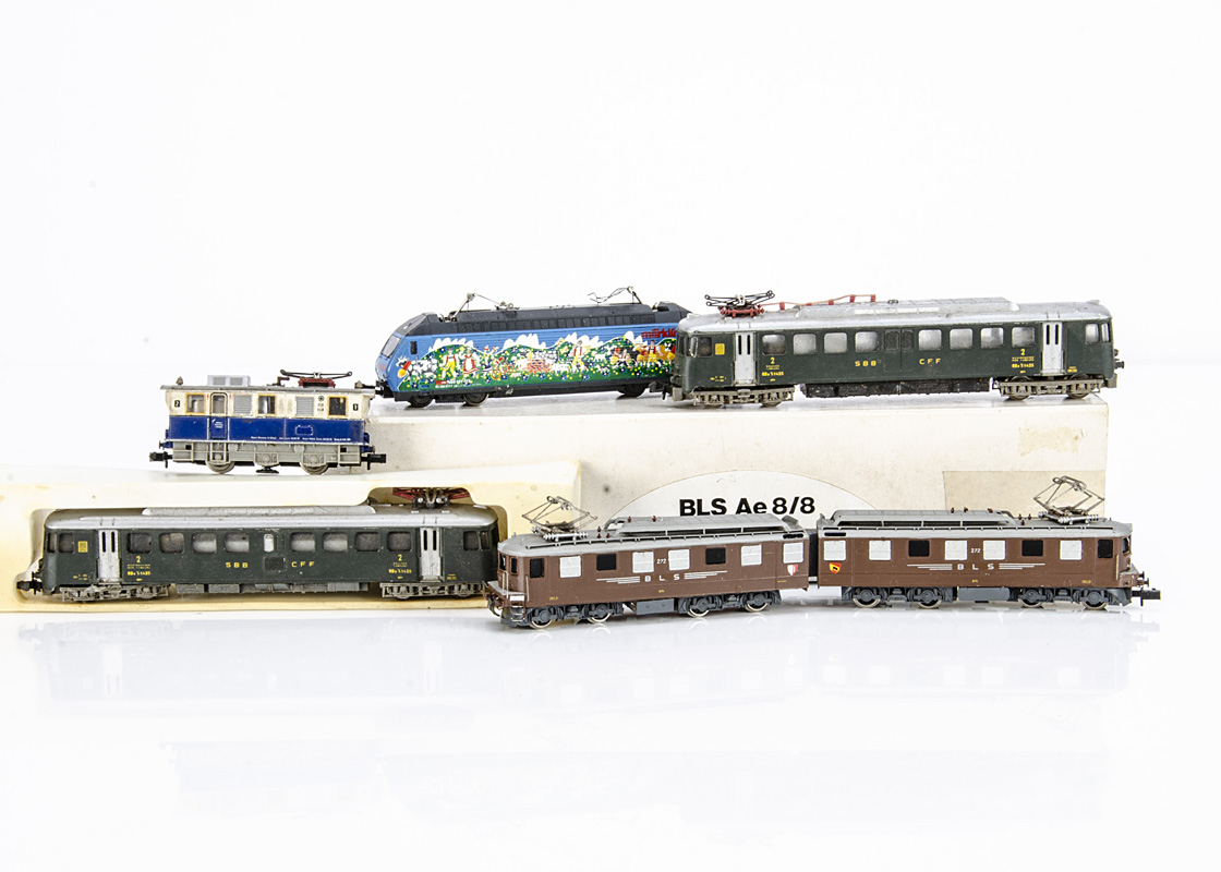 Continental N Gauge Electric Locomotives, five examples a boxed Hachh Modell by Arnold 73oo