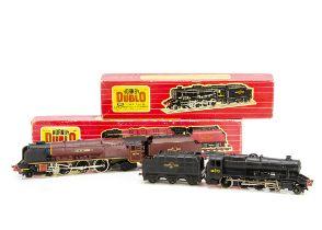 Boxed Hornby-Dublo 00 gauge 2-rail Steam Locomotives, ref 2224 '8F' no 48073 in BR black, G-VG, very