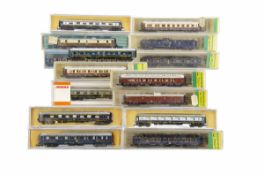 Compagnie Des Wagons Lit N Gauge Coaches, mainly cased, coaches in blue livery Arnold 3908, Lima for