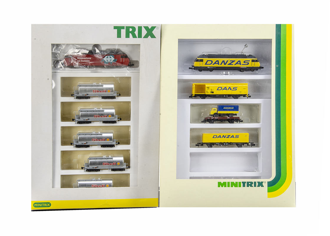 Minitrix Continental N Gauge Freight Sets, 11418 includes Re 460 of the SBB electric locomotive in