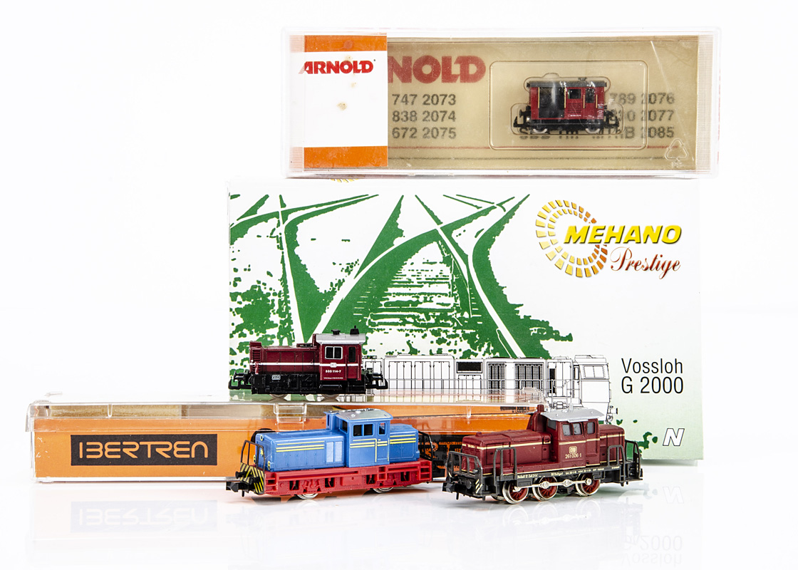 N Gauge Continental Diesel Locomotives, four boxed/cased examples Mehano T513 G2000 in blue and