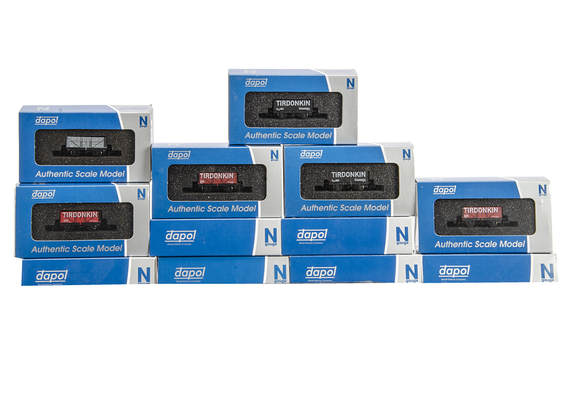 Boxed N gauge Private Owner coal wagons by Dapol, including several special very limited