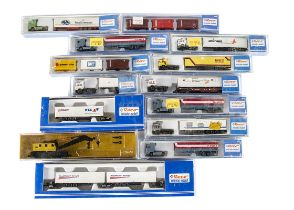 Roco N Gauge Continental Crane Goods Wagons and Articulated Trucks, mainly cased includes 2350 crane