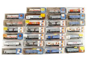 Roco N Gauge Continental Sliding Wall Wagons, a cased group mostly commercially branded includes