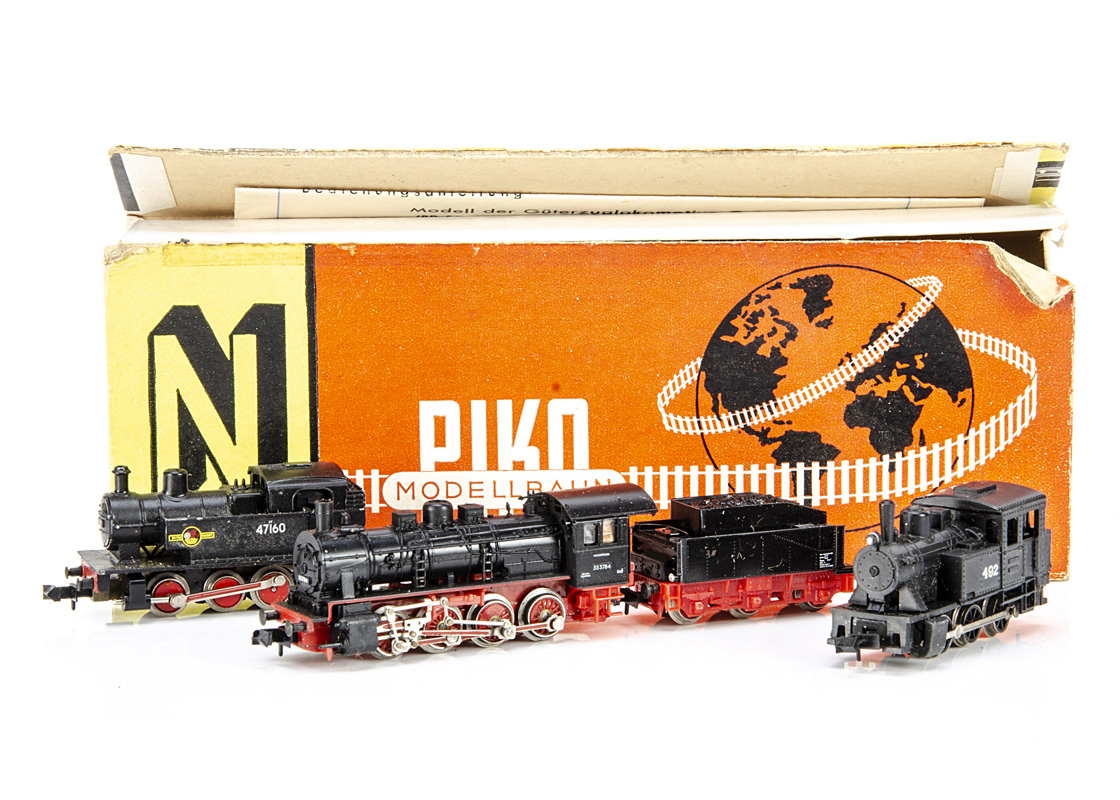 British and German Steam Locomotives, three examples a boxed Piko 5/4117 locomotive and tender BR 55
