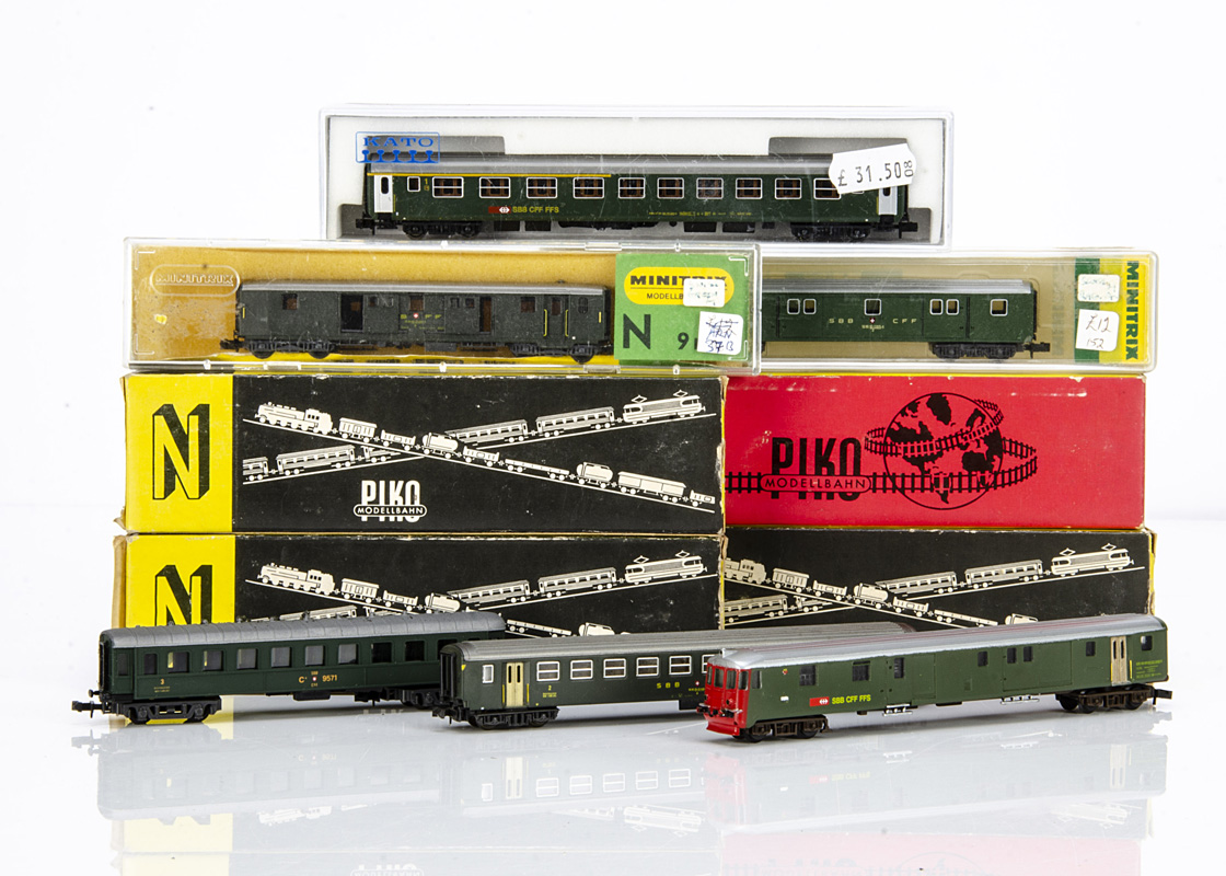 Swiss and Czechoslovakian N Gauge Coaches, SBB in green livery a boxed Eriam 100/3R Control Car,