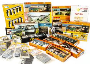 N Gauge Continental Buildings and Layout Accessory Kits, various examples including Arnold 6270