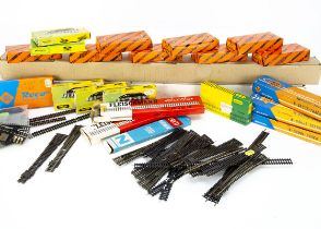 N Gauge Track, various items including Italian made flexi track by GT (48 lengths each 74cm long),