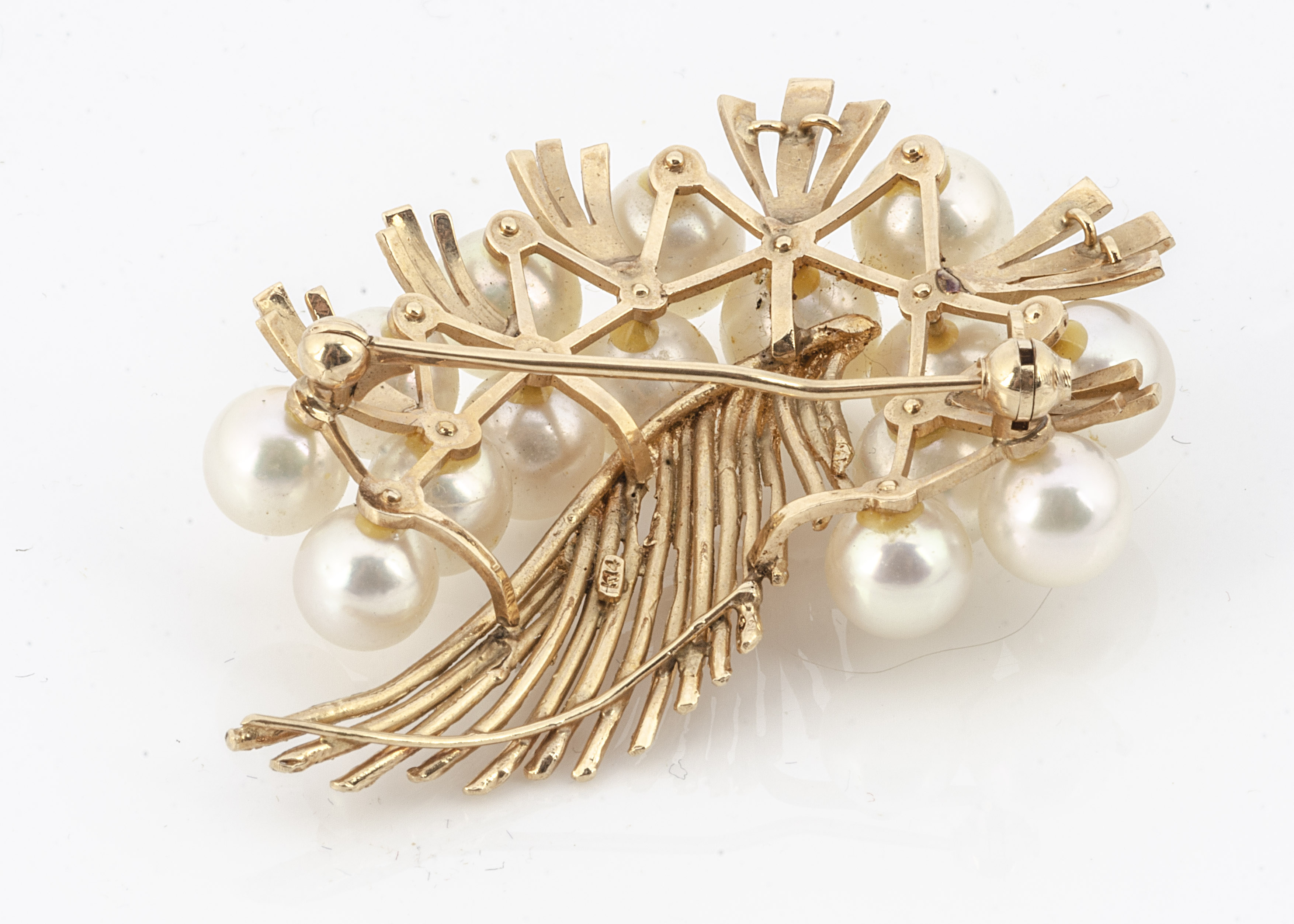 A continental yellow metal and cultured pearl brooch, of feather and pearl cluster design marked 14k - Image 2 of 2
