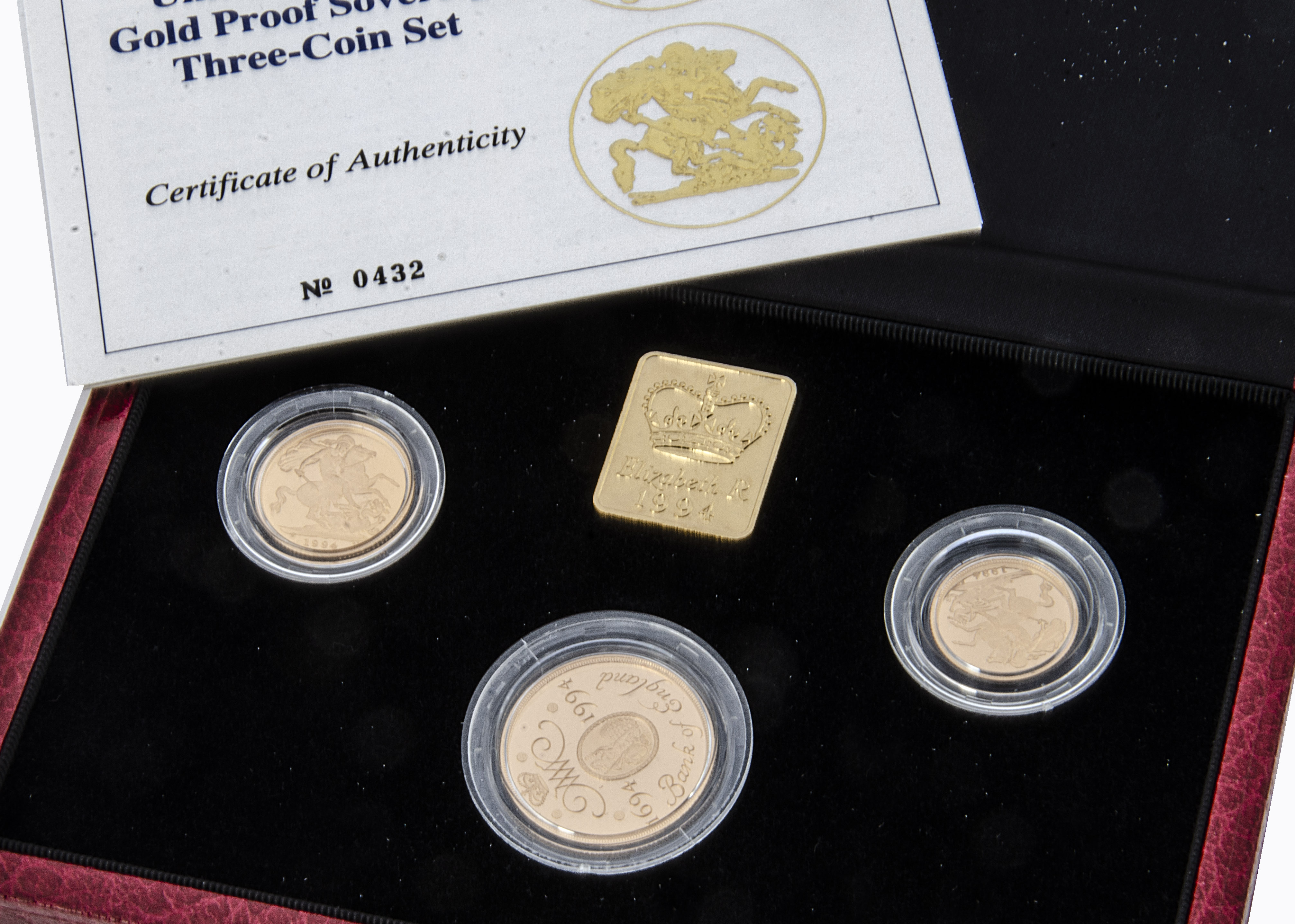 A modern Royal Mint UK Gold Proof Sovereign Three coin set, 1994, comprising double, full and half