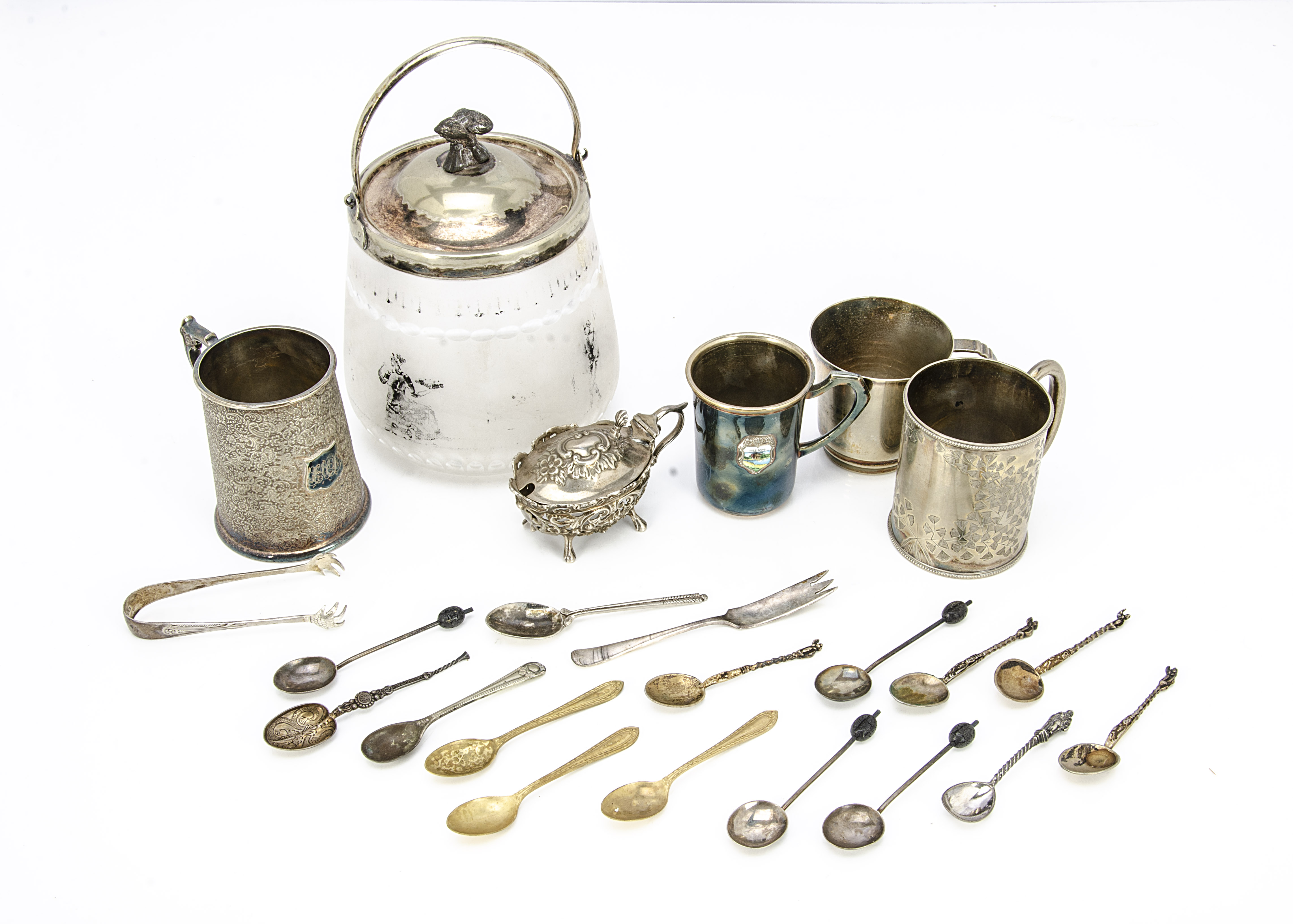 A small group of silver and silver plated items, including a nice silver mustard but lacks liner,