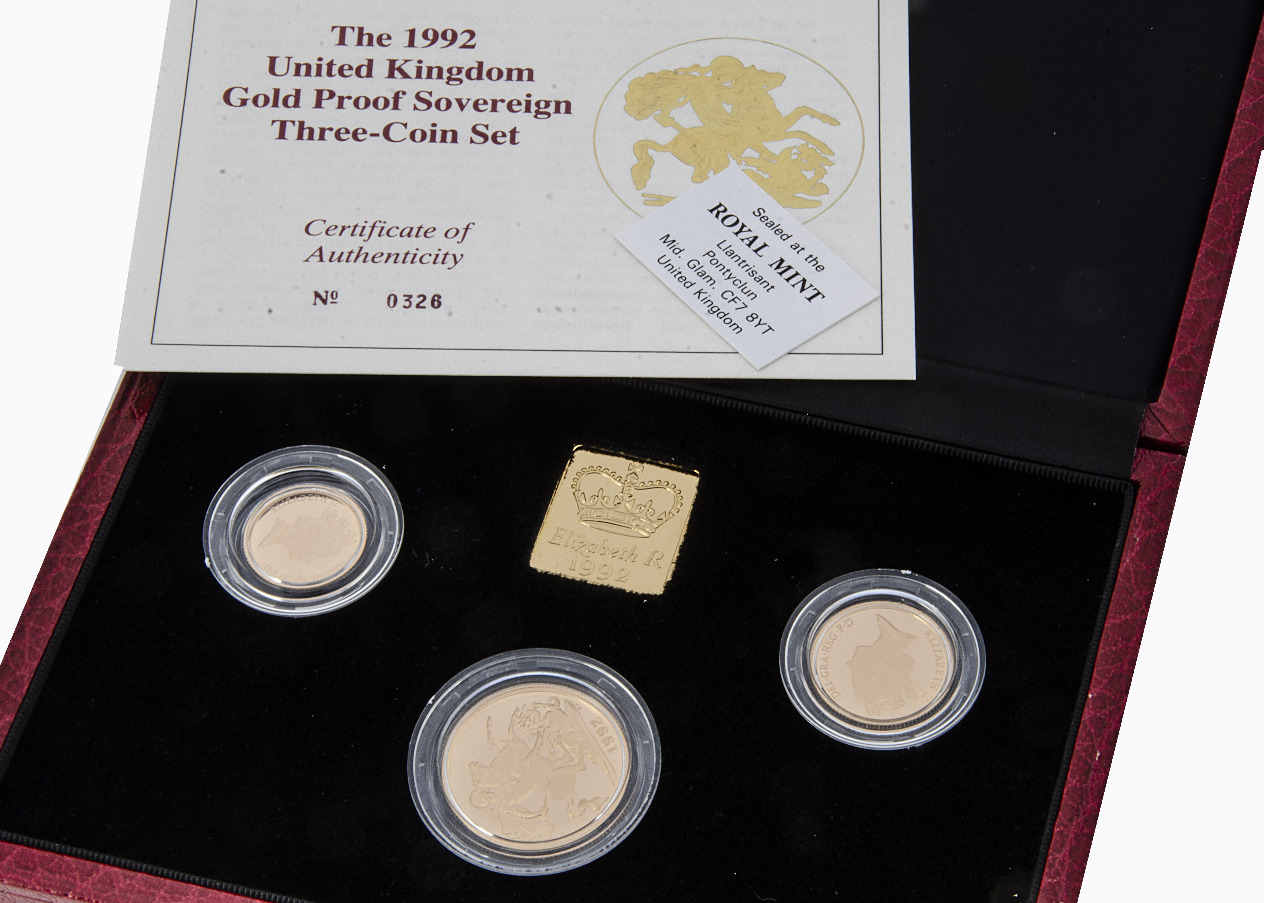 A modern Royal Mint UK Gold Proof Sovereign Three coin set, 1992, comprising double, full and half