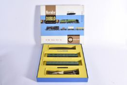Late issue possibly ex shop stock Hornby Dublo 00 Gauge 2-Rail 2050 Suburban Electric Set,
