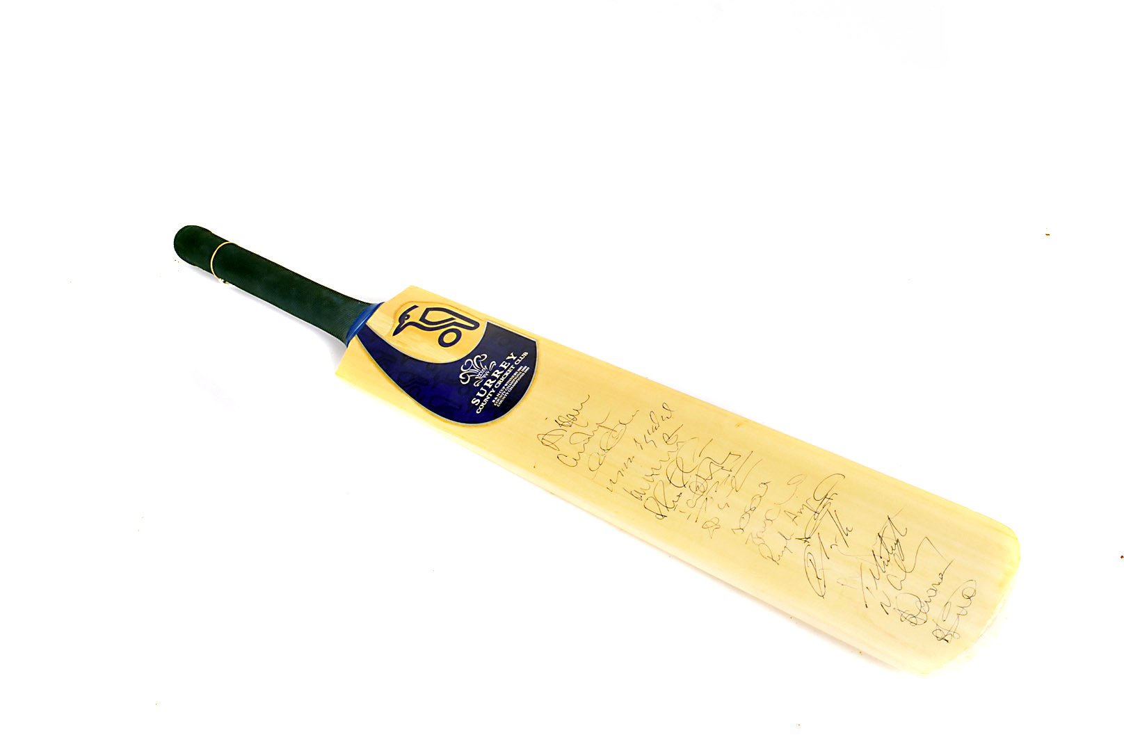 Surrey Cricket Club Bat, a full size cricket bat autographed with 18 signatures from the mid
