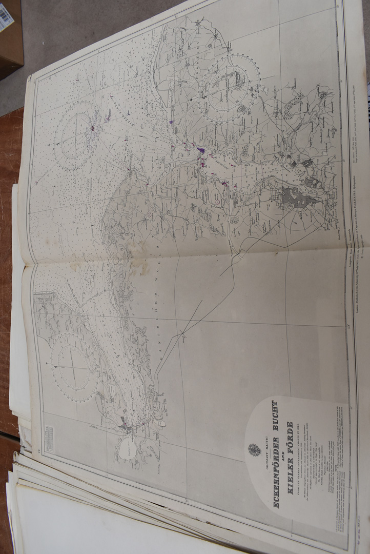 A collection of large British and overseas 1950/60s maps, to comprising Canada, Northern America, - Image 5 of 7