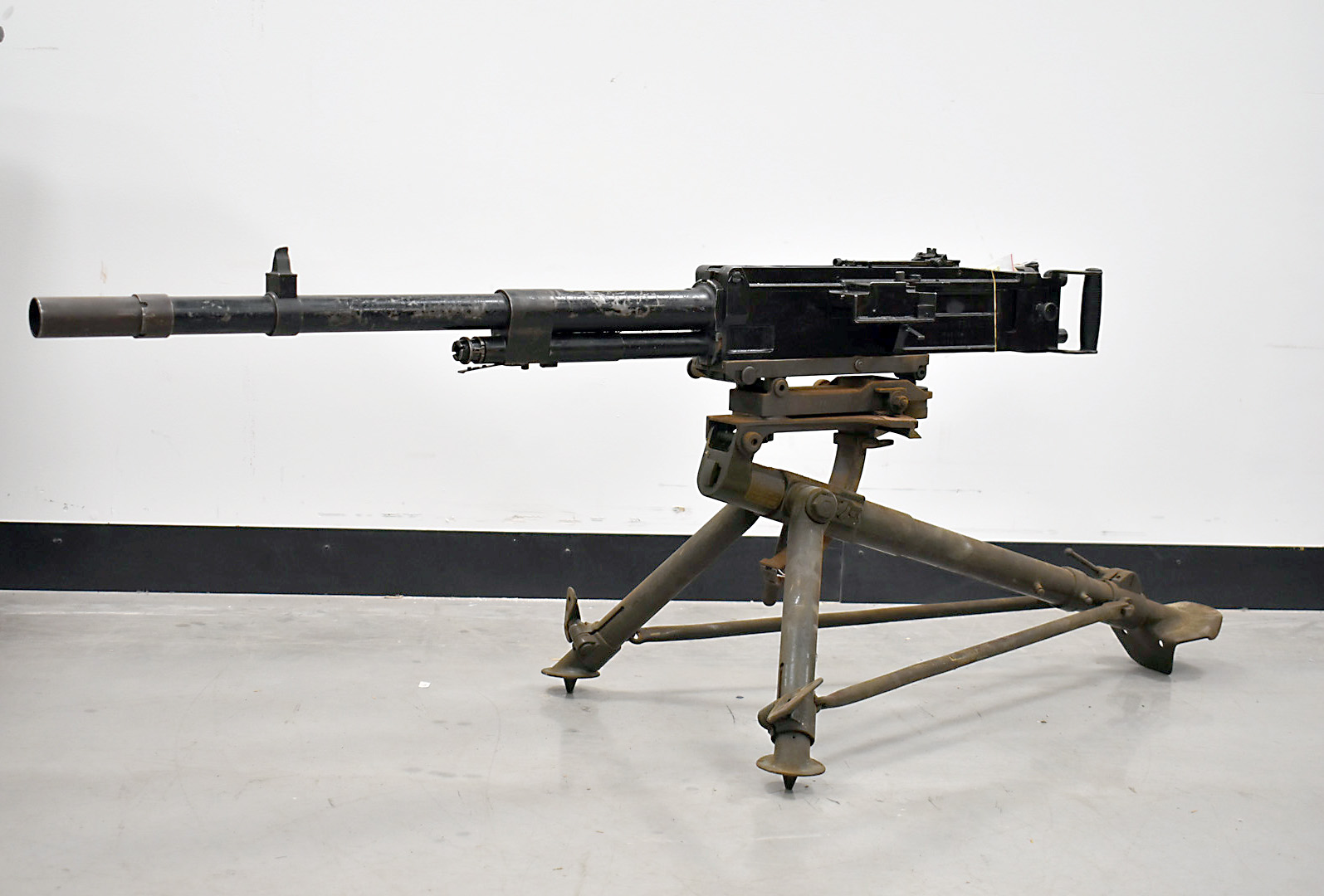 A deactivated Italian Breda M37 7.92mm Heavy Machine gun and tripod, serial 8805, deactivated to the