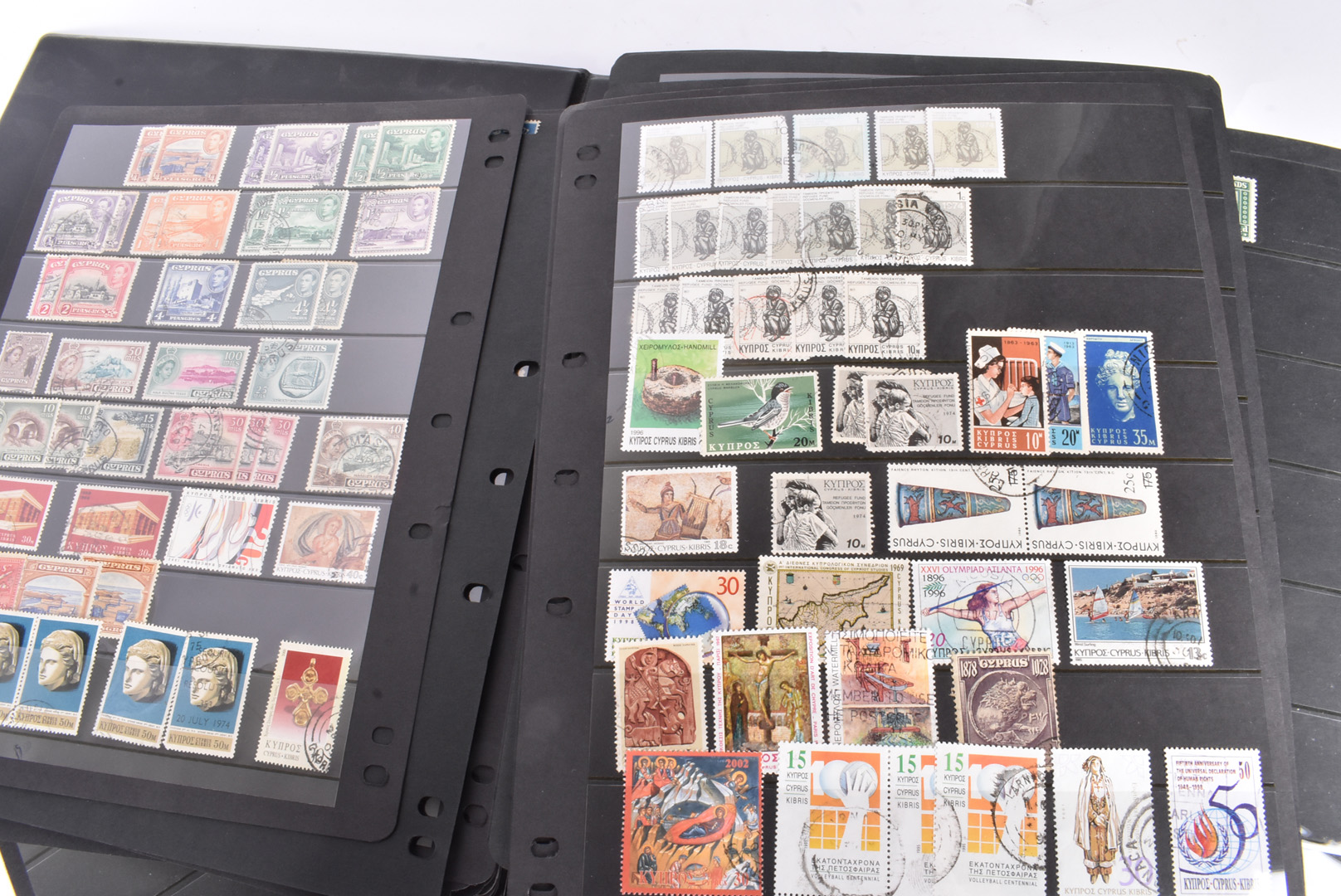 A large collection of GB and World Stamps, mainly in stock books, including Barbados, Cayman - Image 7 of 7