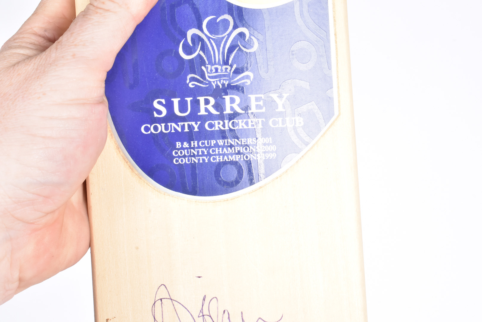 Surrey Cricket Club Bat, a full size cricket bat autographed with 18 signatures from the mid - Image 2 of 6