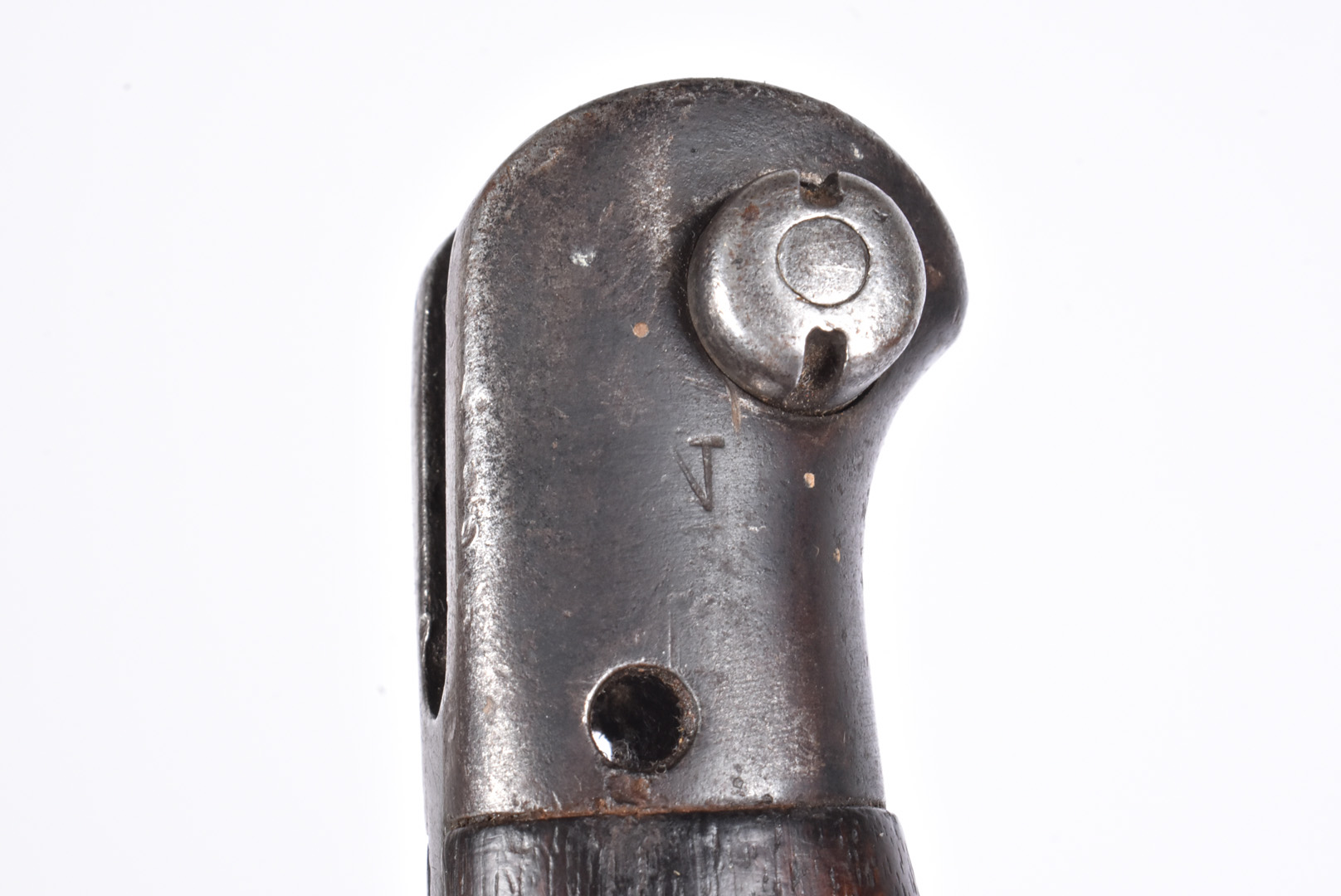 A WWII Naval marked SMLE bayonet and scabbard, dated 1944, by Anderson, together with a No.9 MkI - Image 7 of 7
