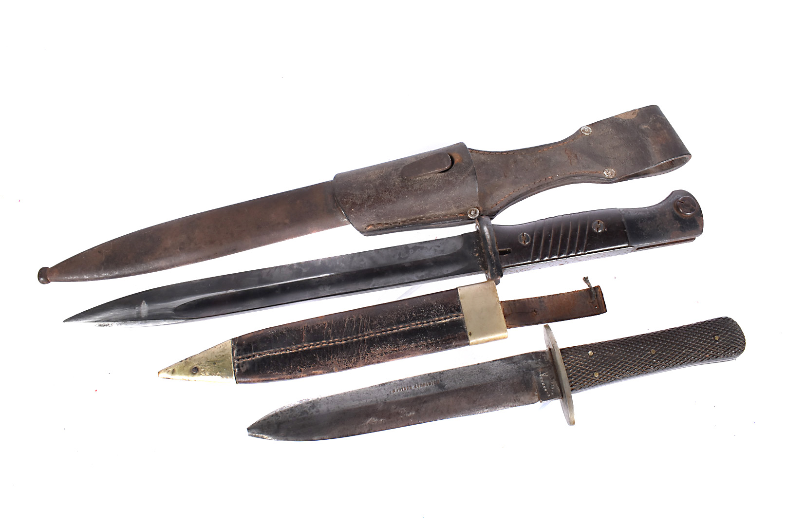 A WWII German K98 bayonet and scabbard by E.U.F Horster, dated 1940, with serial 5376, complete with