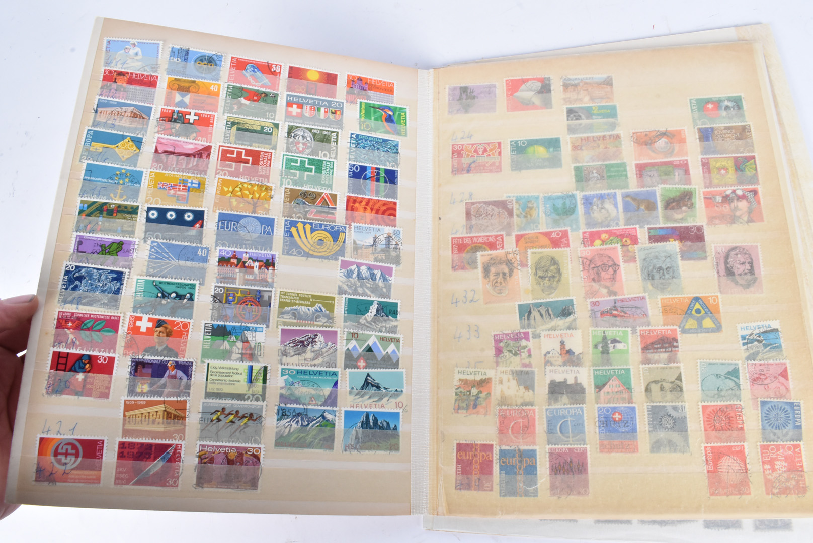 A collection of World stamps, on boards, loose and on envelopes, Late 20th Century and modern (qty) - Image 3 of 5